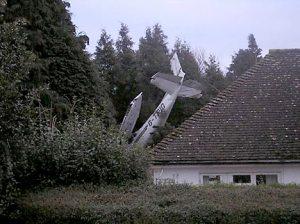 planecrash2402_468x350